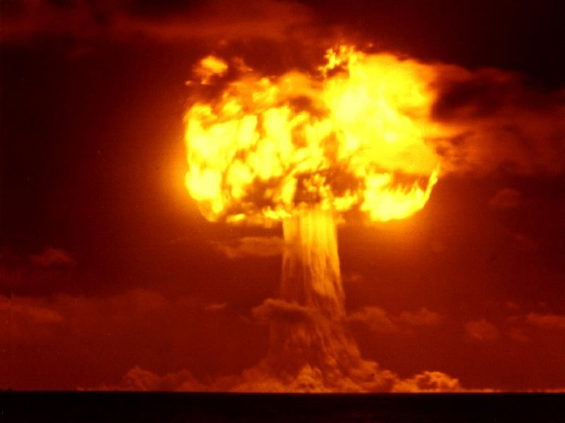 nuclear-bomb-explosion