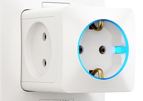 Power Socket saliendo