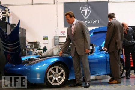 Schwarzenegger Tesla