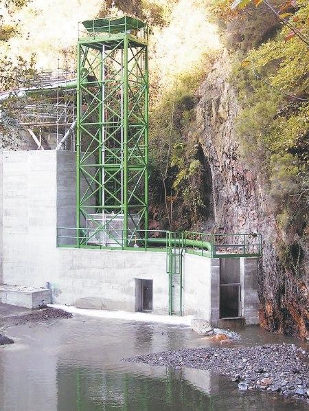 ascensor para peces en construccion