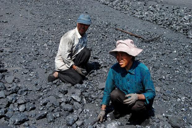 Trabajadores del carbon por Bert van Dijk