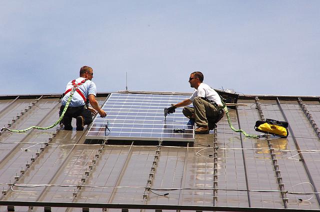 instaladores paneles solares por U.S. Army Enviromental Command