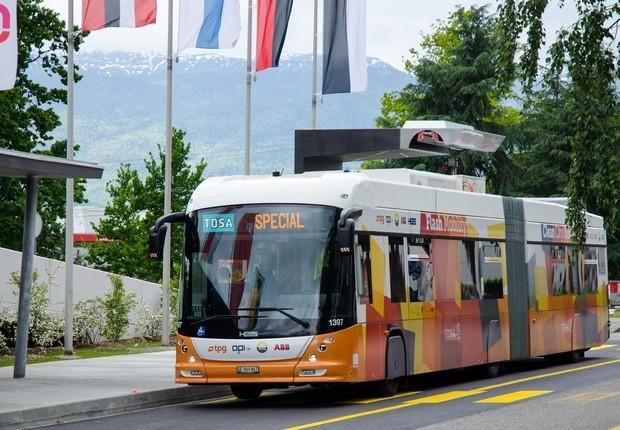 Autobús TOSA