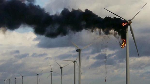 Aerogenerador ardiendo por Nieuws