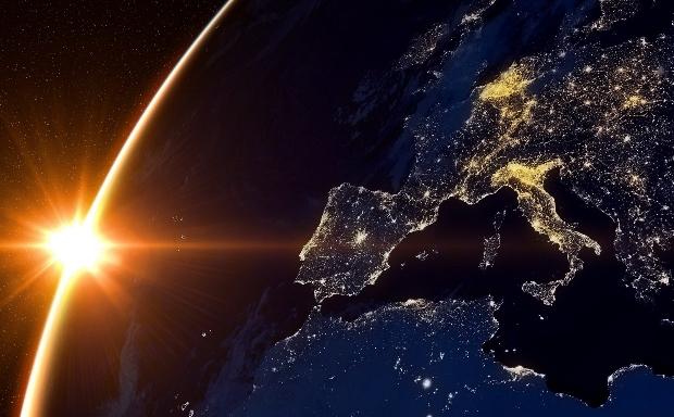 europa desde el espacio. Los mercados diarios de Europa, unidos