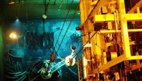 corte bajo agua de los componentes internos del reactor nuclear de zorita