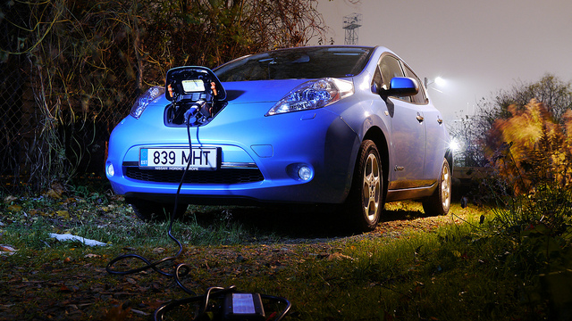Nissan Leaf por Karlis Dambrans