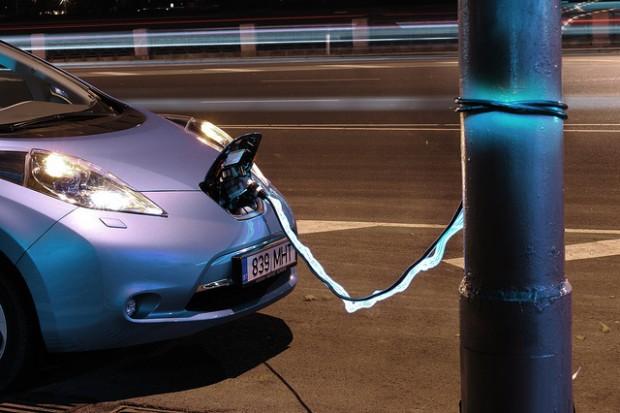 Nissan Leaf por Kaspars Garda, garda.lv
