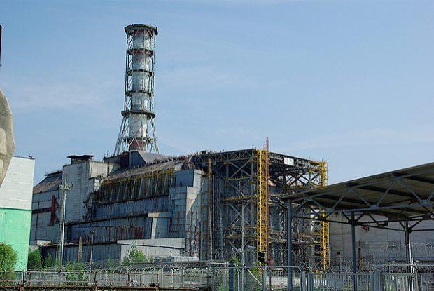 trabajos-en-el-nuevo-sarcofago-de-chernobil-por-trldecoder