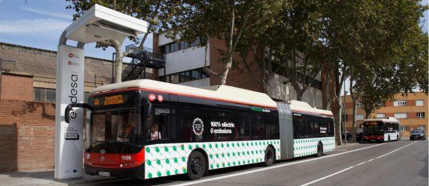 autobus-cargando