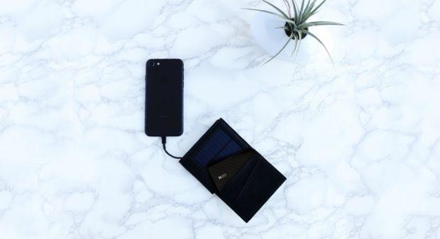 recarga cartera con panel solar